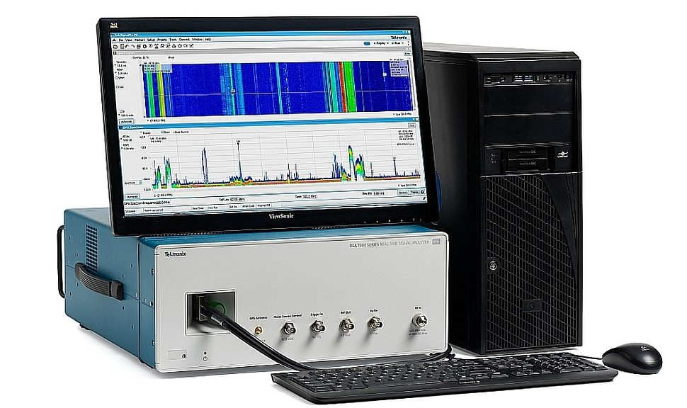 Tektronix RSA7100A wideband signal analysis