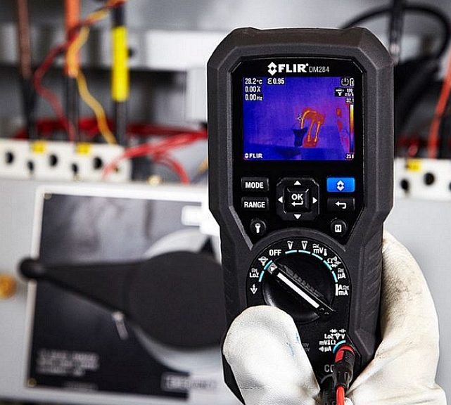 FLIR DM284 DMM with thermal imager