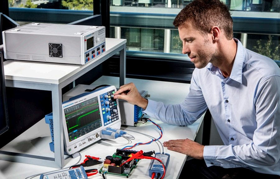 R&S RTM3000 benchtop oscilloscope from Rohde&Schwarz