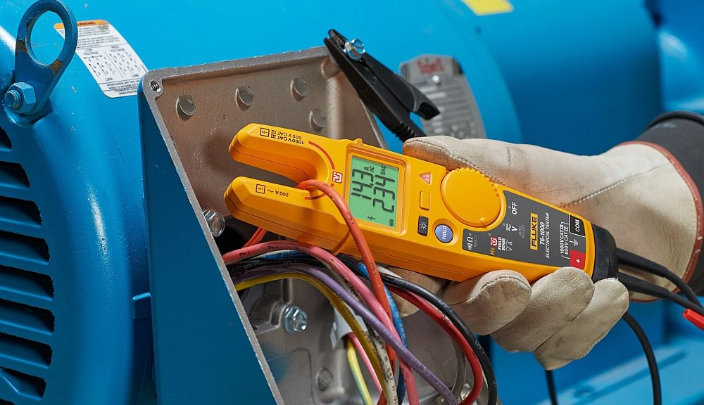 Fluke T6 electrical tester measures current and voltage