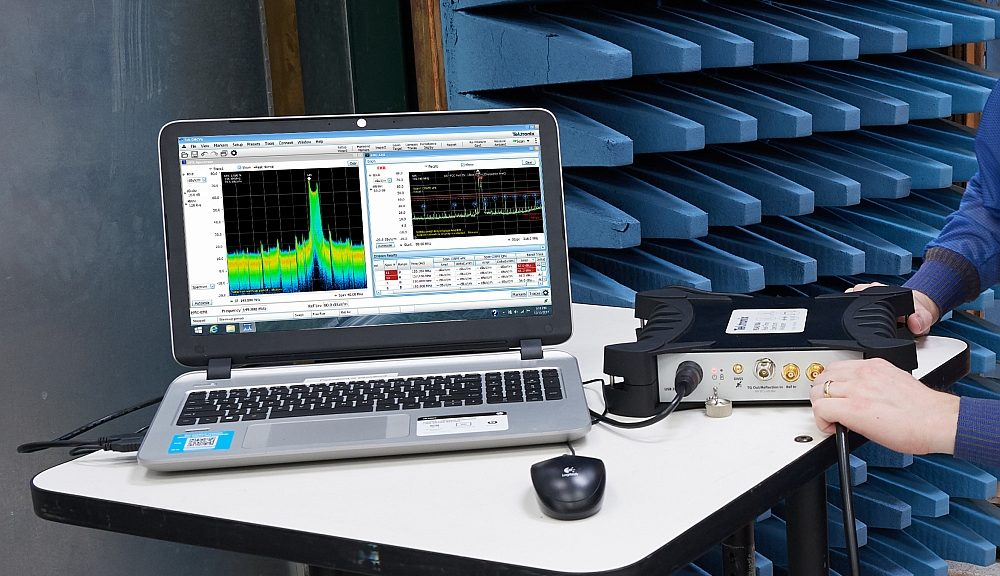 Real-time spectrum analyzers RSA513A and RSA518A in USB format from Tektronix.