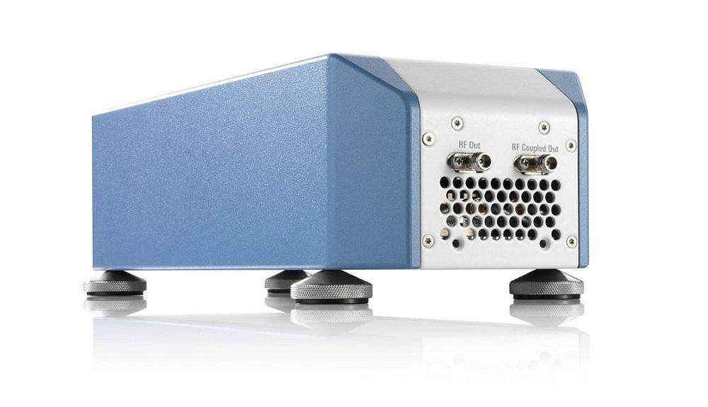 R&S SZV100A RF upconverter from Rohde & Schwarz